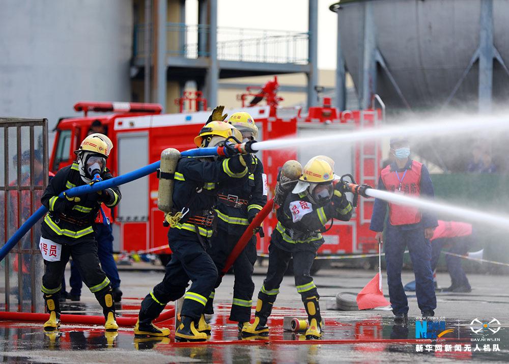 湖北420名消防員鏖戰練兵場