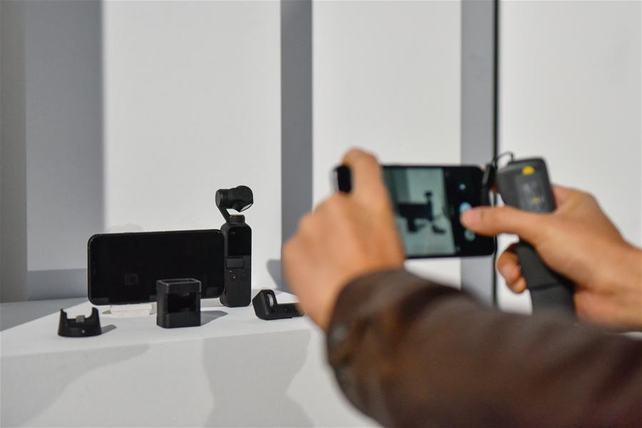 DJI大疆創新發布新款口袋雲臺相機