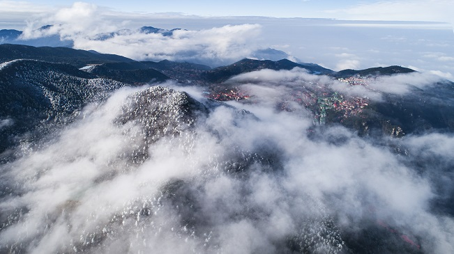 航拍廬山霧凇雲海奇幻壯麗