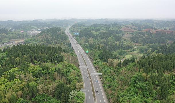 """沿著高速看中國 成渝地區雙城經濟圈織密""""高速網"""""""