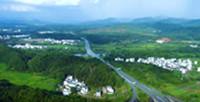 """沿著高速看中國丨鄉村振興,在""""路""""上"""