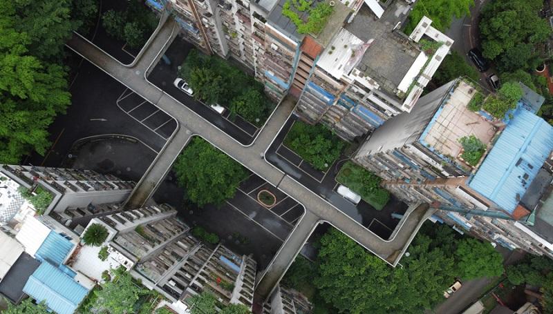 魔幻!重慶空中走廊小區來了,居民出入猶如空中漫步