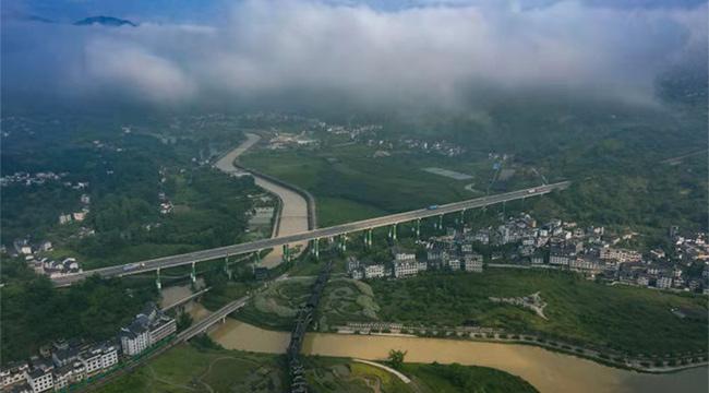 沿著高速看中國  千年古鎮濯水 G65高速上的一顆明珠