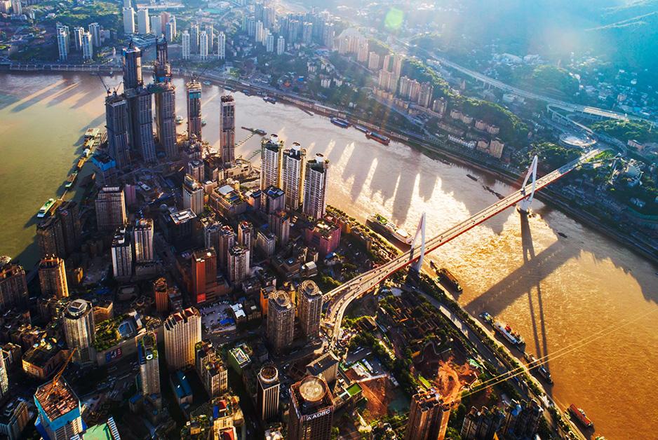 從清晨到午後 無人機帶你領略夏日重慶城